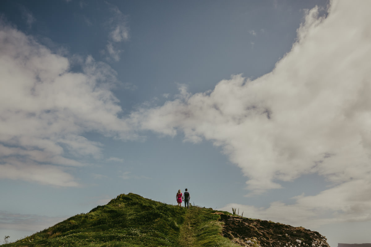 Alexander_and_Eve_woodland_engagement_session_clifftop